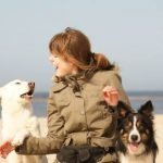 Leinenpöbler und Leinenhexen: Wenn der Spaziergang zum Spießrutenlauf wird