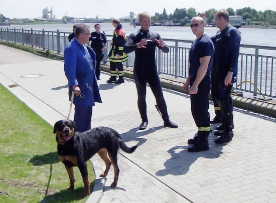 Weserwehr - Rottweiler von Feuerwehr gerettet
