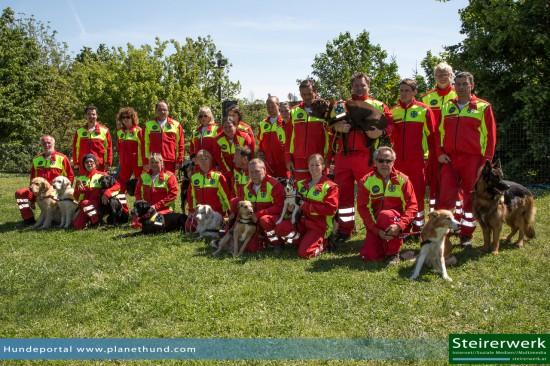 Österreichische Suchhundestaffel Gruppenfoto