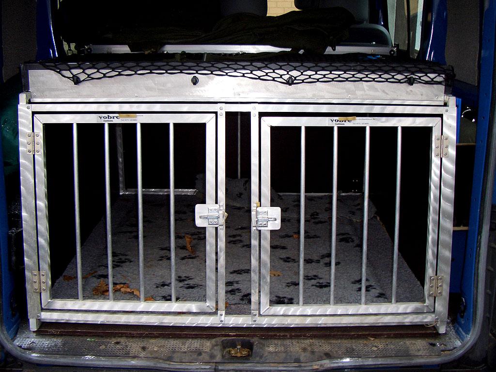 Autofahren mit Hunden: Ratgeber und Tipps von Planet Hund