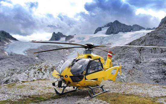 C14 Hubschrauber Dachstein