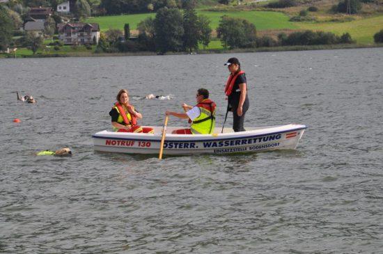 Golden Retriever Wasser Boot