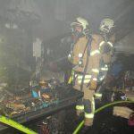 Pensionistin rettet Schäferhunde nach Zimmerbrand