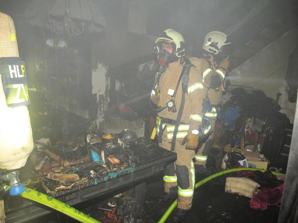 Zimmerbrand Feuerwehr