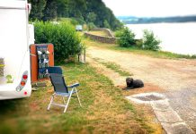 Wohnmobil Camping mit Hund am See