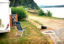 Wohnmobil Camping mit Hund am See